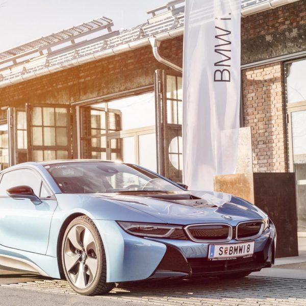 BMW-i8-Panzerhalle01